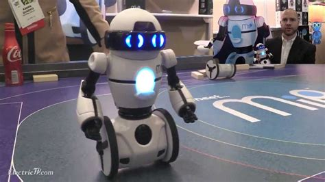 WowWee! MiP Robot set to be a big hit in 2014 - YouTube