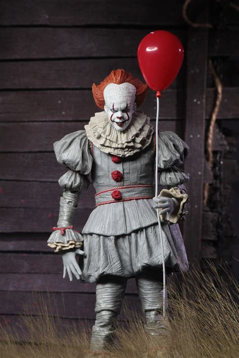 """IT – 7"""" Scale Action Figure – Ultimate Pennywise (2017"""