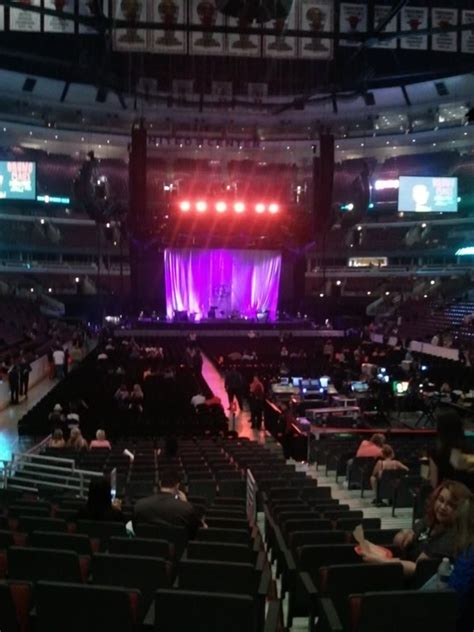 United Center Section 107 Concert Seating - RateYourSeats