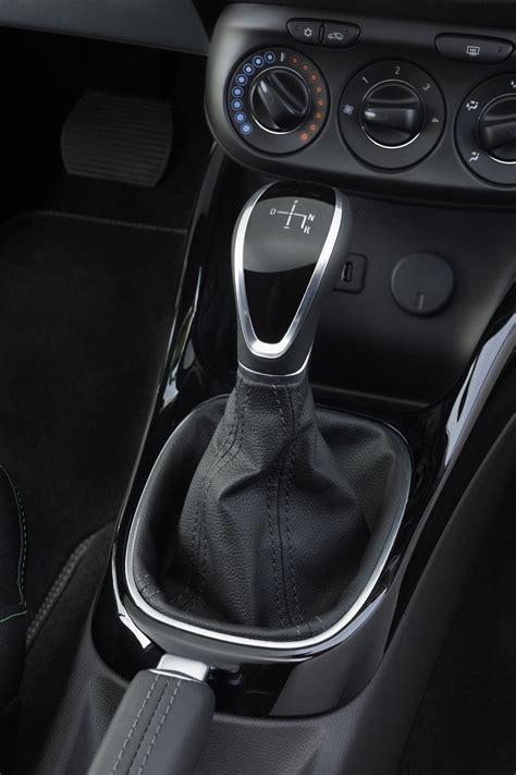 Opel Now Offers Easytronic Automated Manual on Karl, Astra