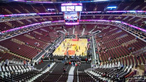 United Center Section 325 - Chicago Bulls - RateYourSeats