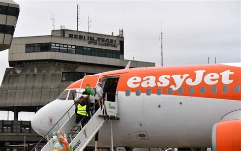 Hand luggage rules and allowances for Ryanair, easyJet